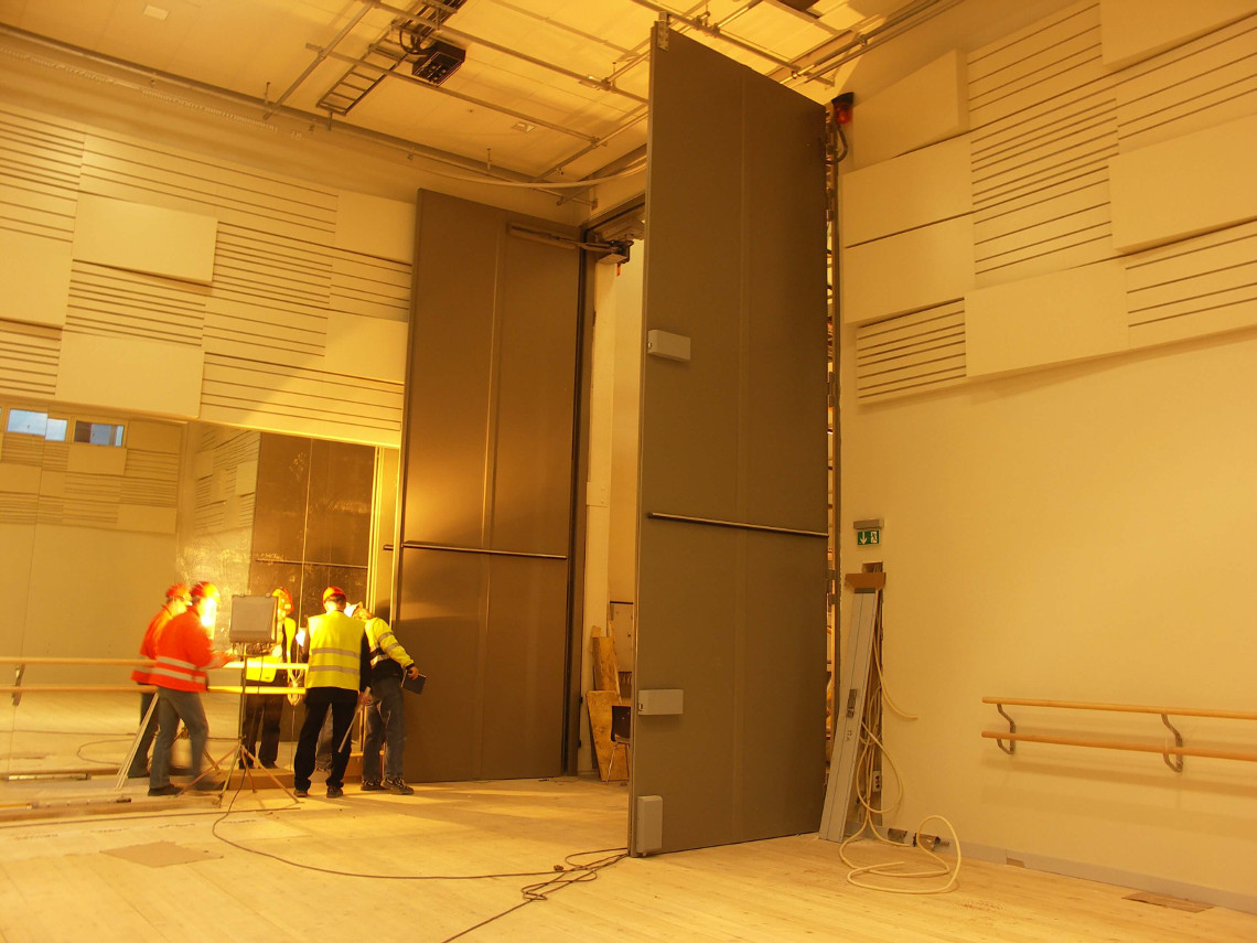 Large acoustic door high degree of sound insulation installed in Oslo concert hall & Soundproof gates | IAC Acoustics A/S